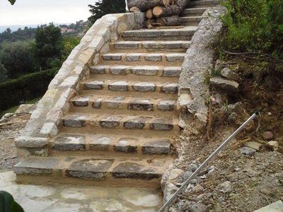 Escalier exterieur en pierre naturelle escalier en granit for Escalier en pierre naturelle